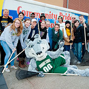 photo of rowdy and volunteers on community pride clean up day