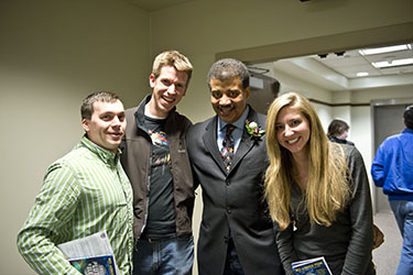 photo of neil degrasse tyson and students at wright state