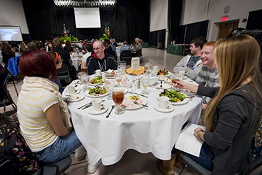 photo of a students at the honors institute lunch