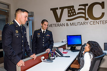 photo of students in the veteran and military center