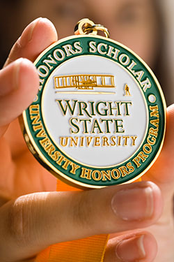 photo of an honors medallion