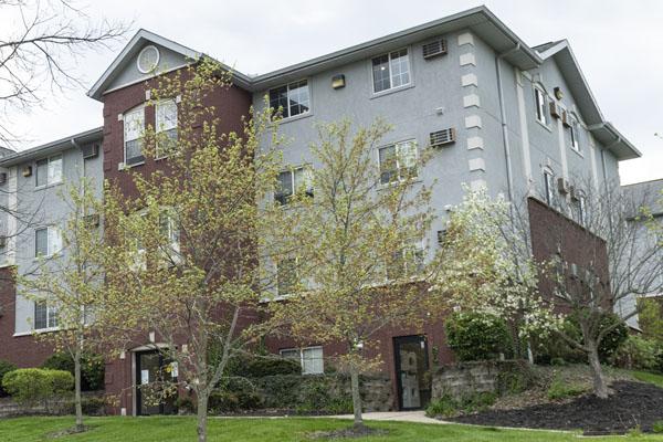 College park apartments building