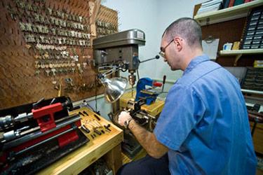 photo of a key shop employee